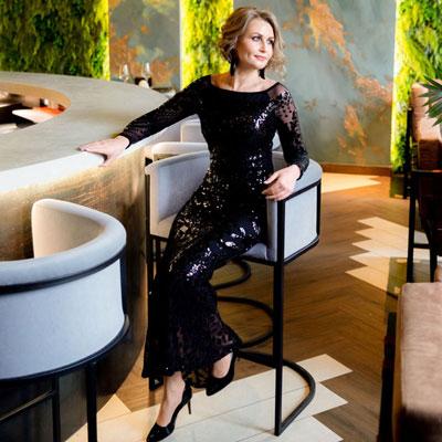 Черное сверкающее платье в пол напрокат в аренду