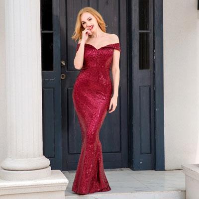 Облегающее бордовое платье с пайетками напрокат