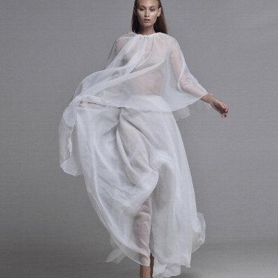 Белый костюм из органзы