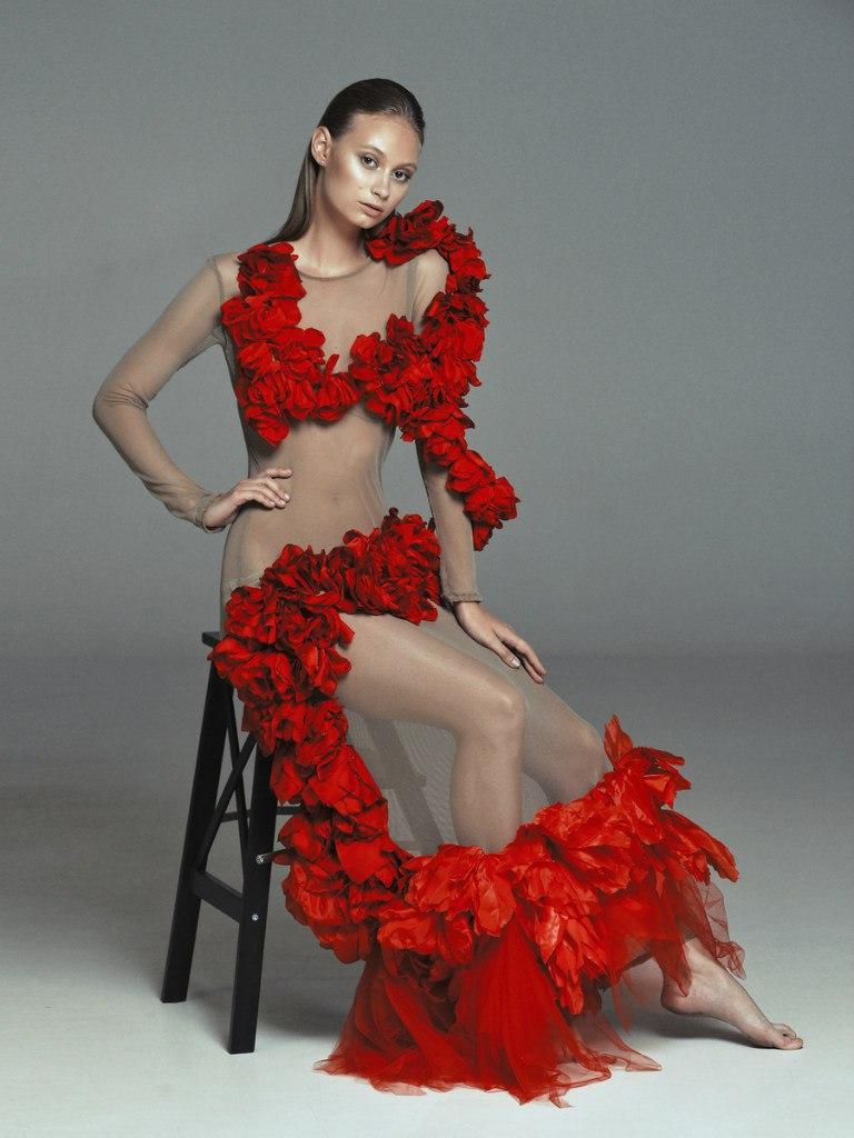 Платье прозрачное с цветами