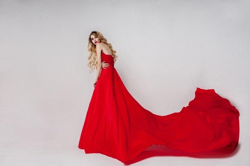 фото платье красное со шлейфом