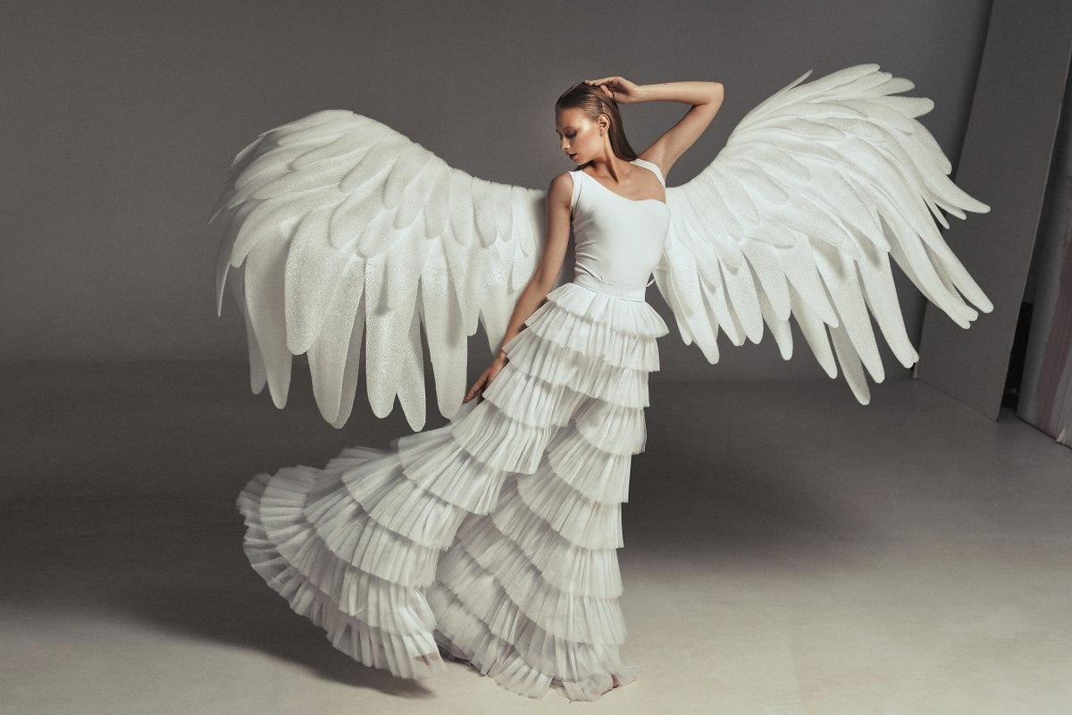Крылья белые сделать своими руками