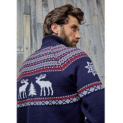 Новогодний мужской синий свитер с оленями напрокат для фотосессии