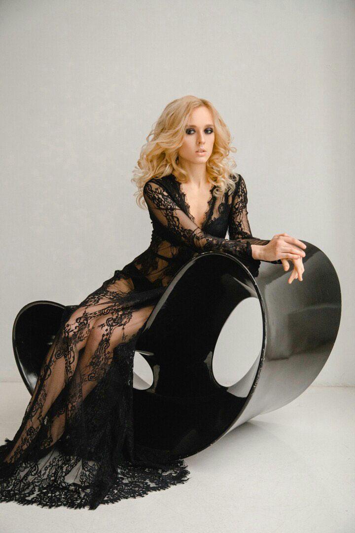 Платье кружевное черное прозрачное платье