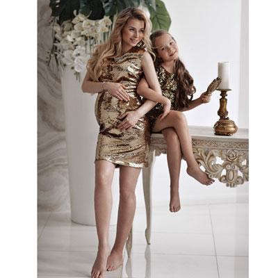 Парные золотые короткие платья для мамы и дочки напрокат