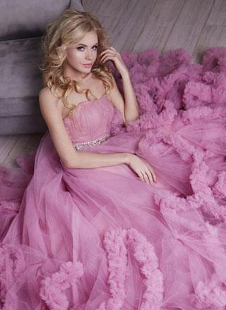 пышное платье-облако розовое