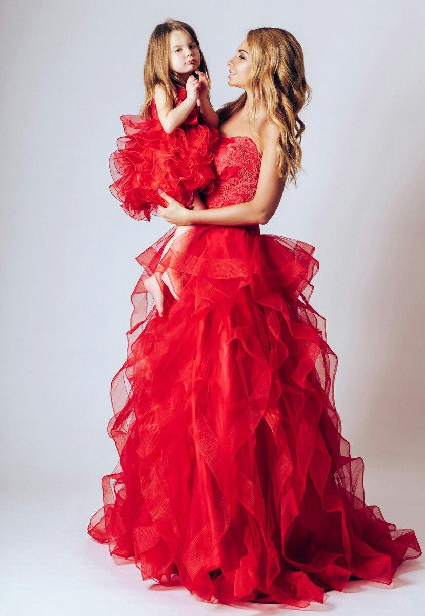 Красное платье мама и дочка